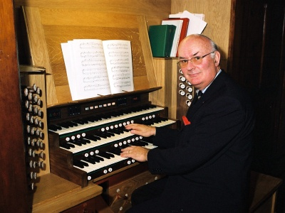 Prof Gillen at the Organ